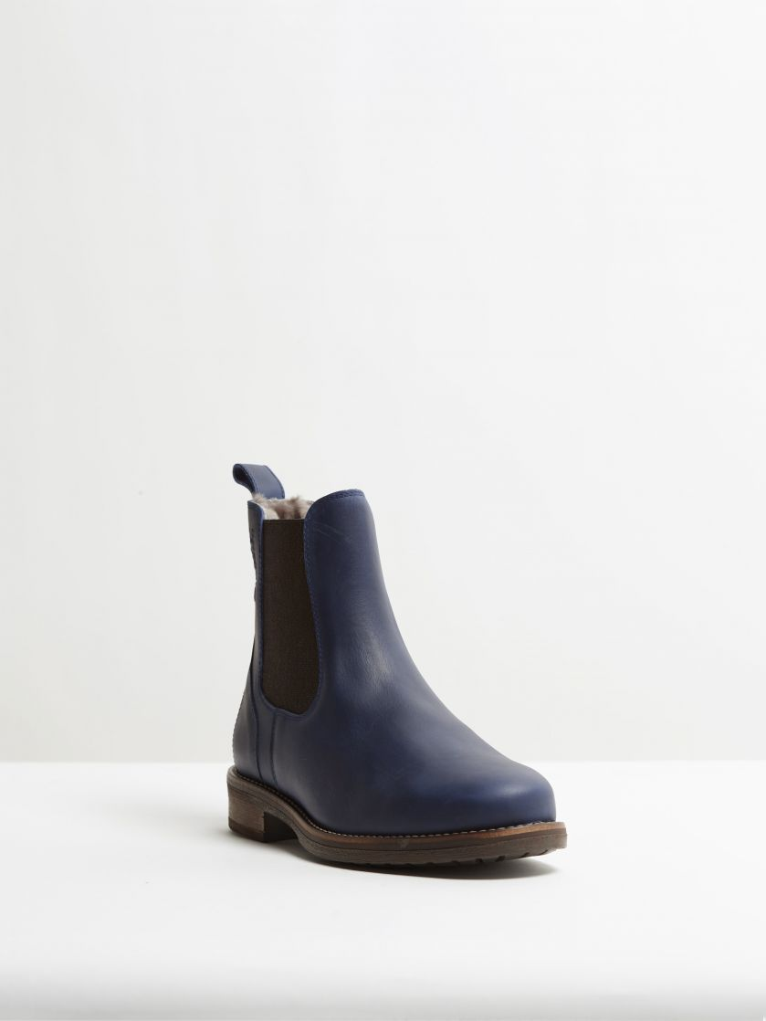 Kingsley Amsterdam Chelsea Boots with Taupe Sheepskin gaucho navy, brown front view